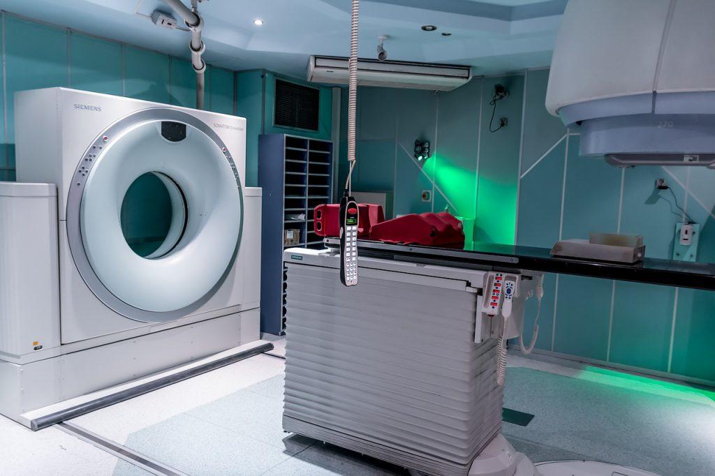 MRIはこんな機械